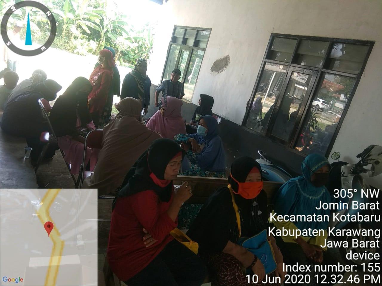 Bantuan Sosial Tunai Kemensos Di Desa Cikopo Bungursari ...