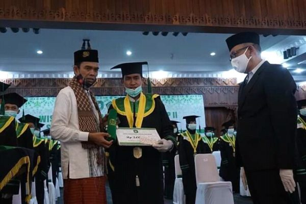 Turut Hadir Ustad Abdul Somad Batubara, Gubenur Kalimantan ...